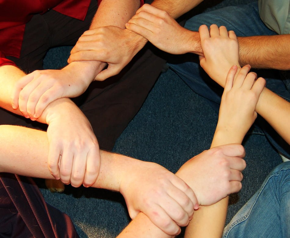 group therapy Group therapy group therapy is a powerful tool for growth and change in group therapy, 5-10 individuals meet face to face to share their struggles and concerns with the facilitation of one or two trained group therapists.